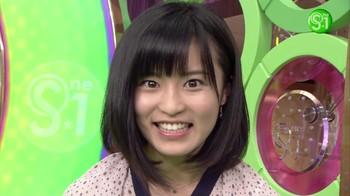 小島瑠璃子1.jpg